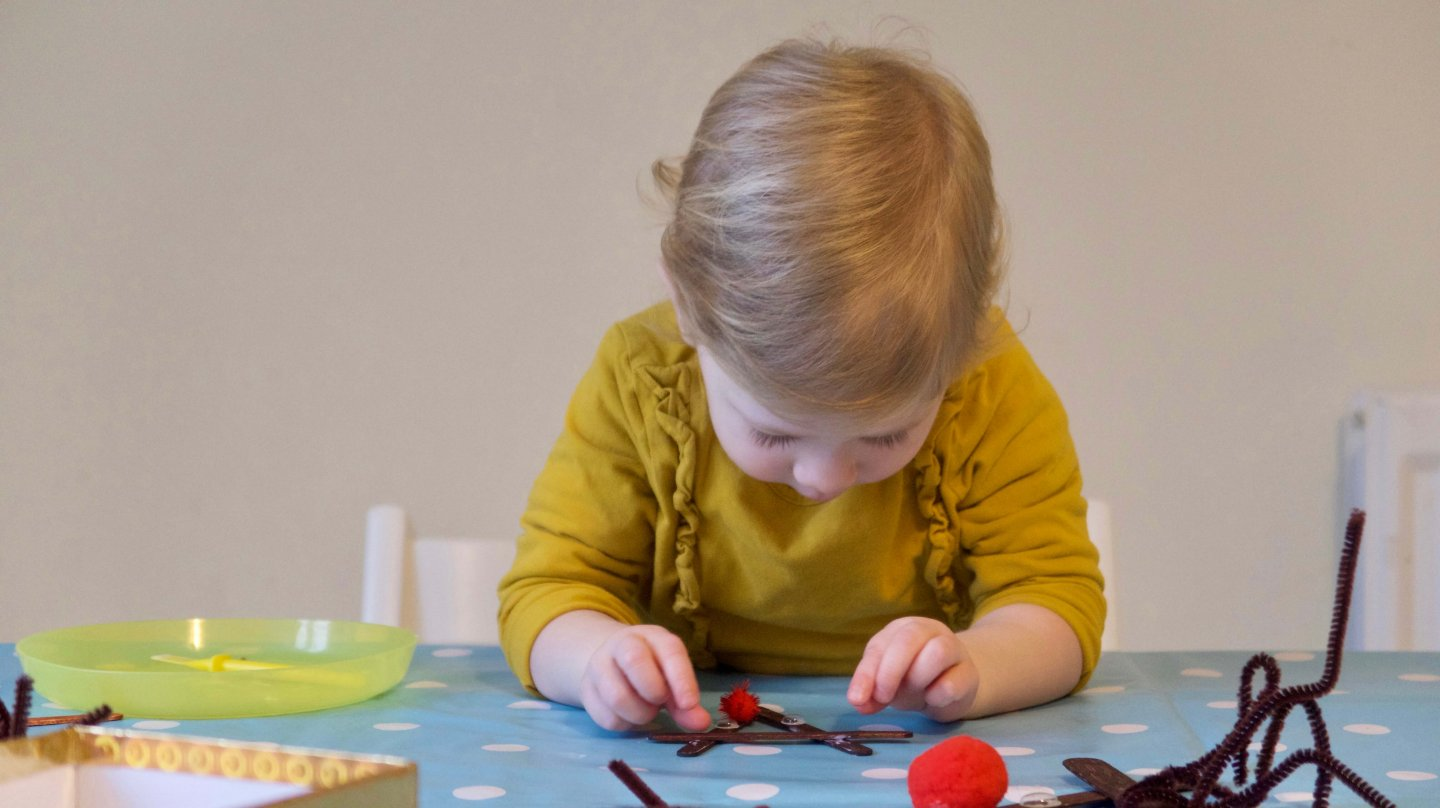 Christmas Craft Activity for Toddlers