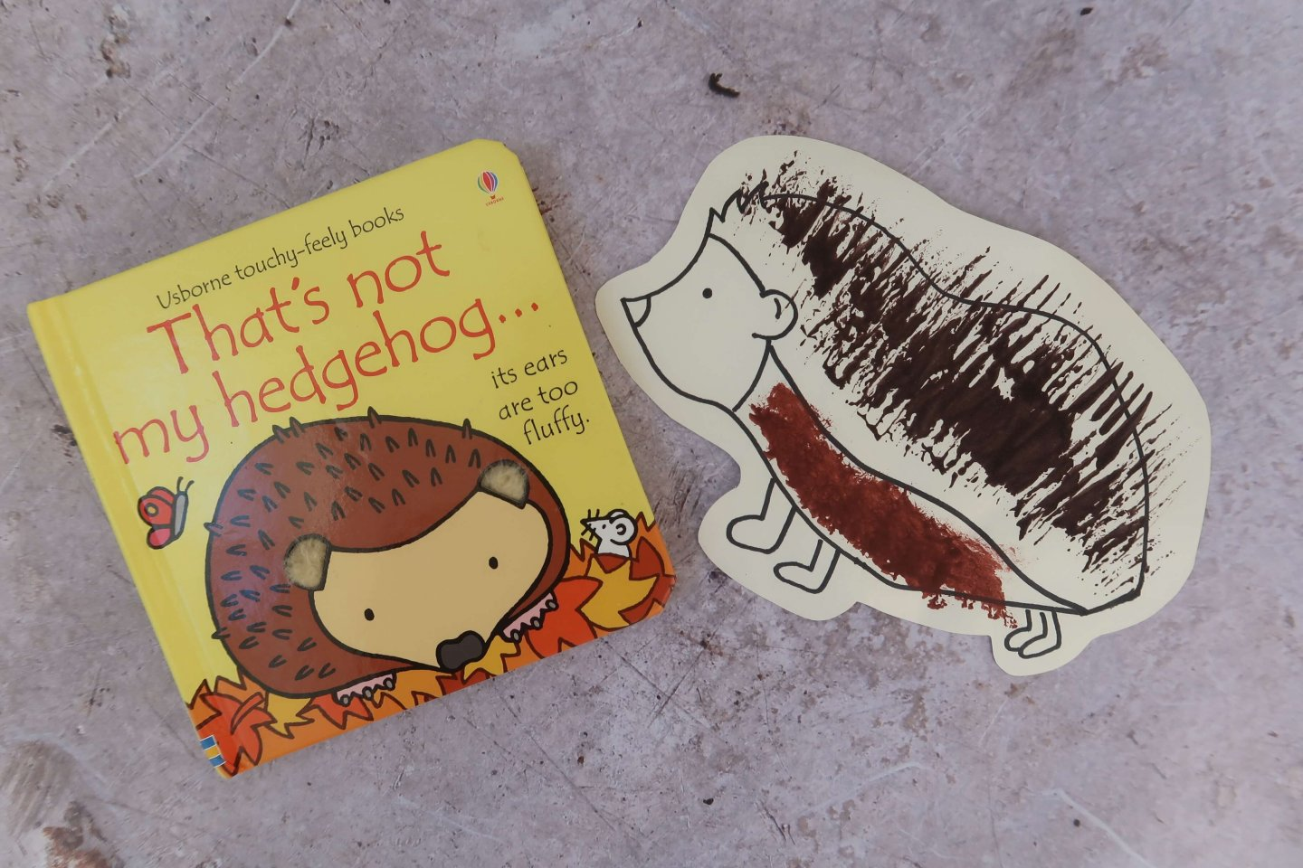 Pondering Playtime // That's Not My Hedgehog Sensory Painting